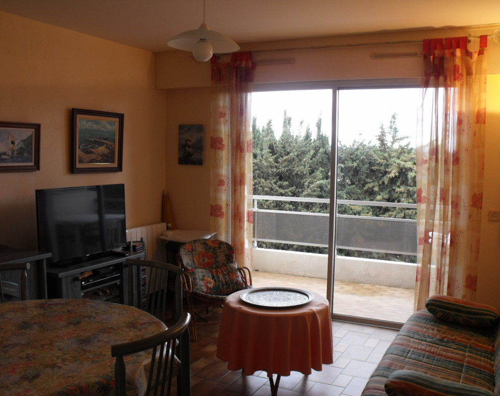 243 000 € T2 avec 2 terrasses , cave , parking LA CIOTAT